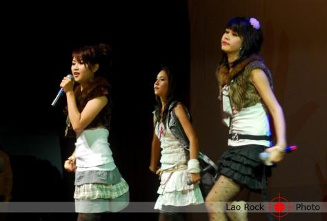 Lao rock_ketsana fundraising concert (27) copy