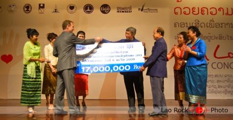 Lao rock_ketsana fundraising concert (8) copy